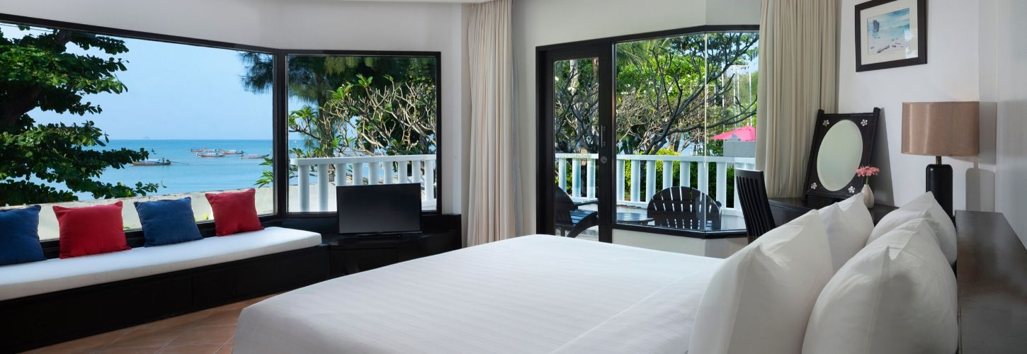 Aonang villa resort-deluxe seaview room-1450x500